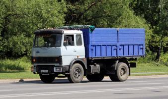 Грузоперевозчик (бортовой)  МАЗ 53371