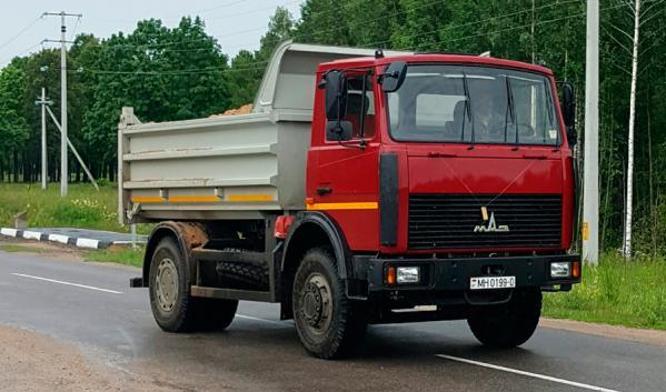Самосвал МАЗ 5551