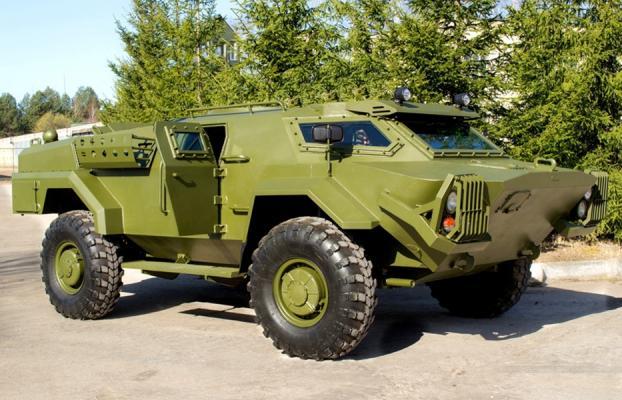 В Борисове на основе боевой машины «Кайман» создали гражданский вездеход для охоты и рыбалки