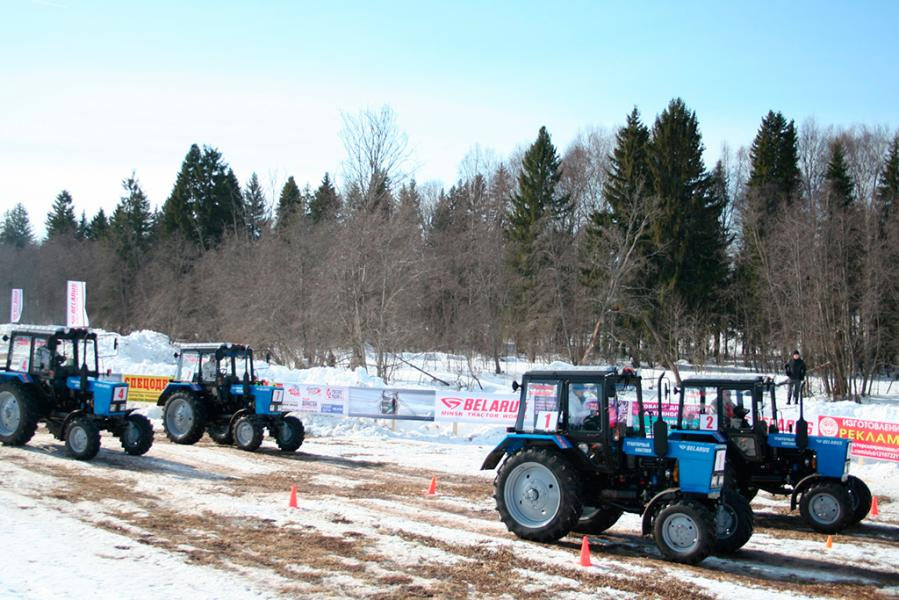 Испытания с победой. BELARUS-82 проявил себя на тракторном биатлоне в Удмуртии